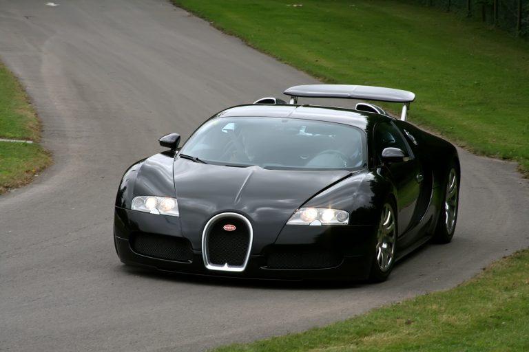 Bugatti Veyron - Dubai Cars