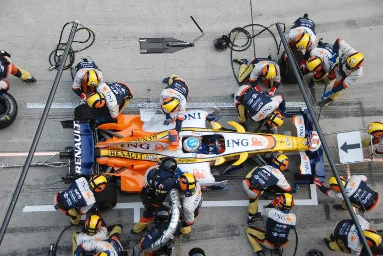 Car Racing Pit Stop Crew
