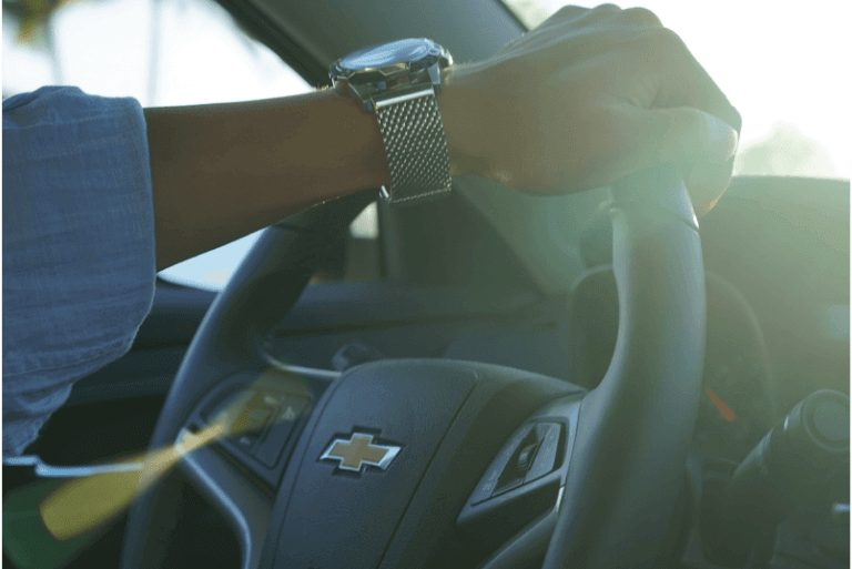 Keep the car interior cool in summer