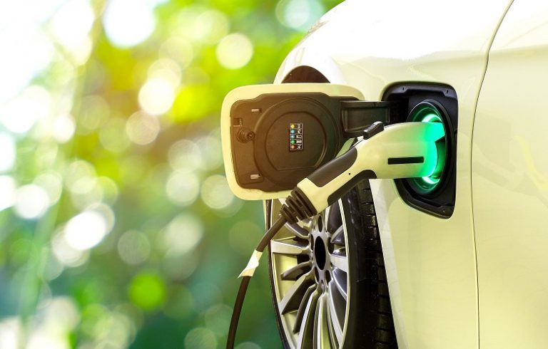 5 Things to know when buying an Electric Vehicle